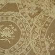 繊細な刺繍のノルマンディーレース