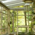 ガーデンハウスのレトロな窓